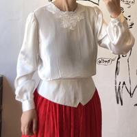 lady's white satin pleats tops