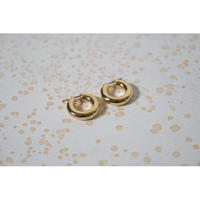 JANE SMITH : TINY AND ROUND HOOP EARRING