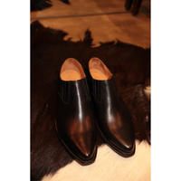 The Letters : WESTERN POINTED SIDEGORE SHOE -SADDLE CALF-