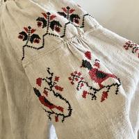 ウクライナ民族衣装28 (赤い鳥)