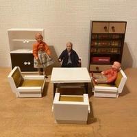 東ドイツのお人形の家具セット