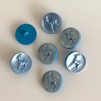 ボタン28・パーリーブルーのバンビ