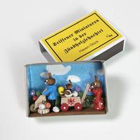 マッチ箱・幸せを運ぶうさぎファミリー