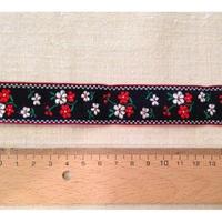 ヴィンテージ手芸テープ50・黒に赤と白のお花