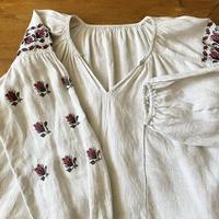 ウクライナ民族衣装18 ブラウス(蕾)