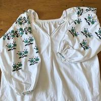 ウクライナ民族衣装23 (グリーンの花)