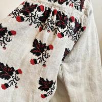 ウクライナ民族衣装2(どんぐり)