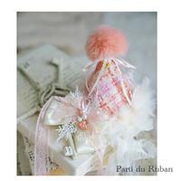 ピンクオレンジチェックのサンタ帽とスノーチャーム