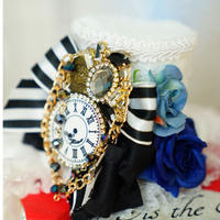 Time of wonderland dolly hat WHITE