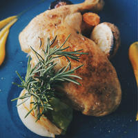 国産骨付き鶏モモ肉のコンフィ (1本)