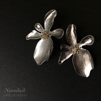 vintage Flower pierce