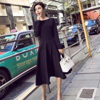 シンプルシックな黒のフレアスカートミモレ丈ワンピースドレス