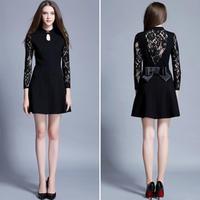 エレガントさ溢れるリトルブラックドレス
