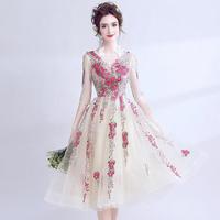 ウェディングドレス パーティドレス  二次会 結婚式 司会者 披露宴 ナイトドレス  ミニドレス Vネック 刺繍