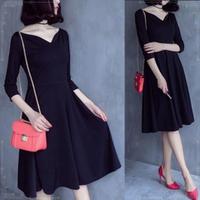 大人の定番モテスタイル 黒のひざ丈フレアワンピースドレス