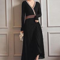 パーティーや二次会にオススメ シックな黒のミモレ丈ドレス
