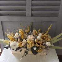 沖縄県内へ 木箱プリザーブドフラワーアレンジ ミモザイエロー