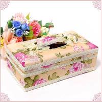 ■モチーフ付きバラ柄ティッシュボックスケース(ハードタイプ)アイボリーの地にピンクの薔薇柄