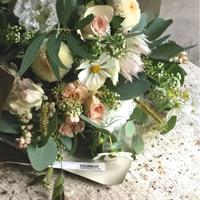 季節のお花・おまかせブーケR (本州地域・期間限定4月29日着までの配達指定でお受付け致します)