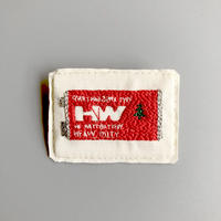 刺繍する犬 / 電池ブローチ