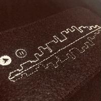 刺繍する犬 /Geek handstitch T-shirt 音の波形刺繍