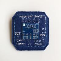 刺繍する犬 / 基板ブローチ 青 パーツ付き  MESH GPIO Servo