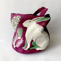 83SELECT / moritaMiW トートバッグ|平原の花のウサギたち
