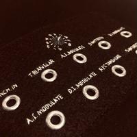 刺繍する犬 /Geek handstitch T-shirt アナログシンセパーツ筐体刺繍