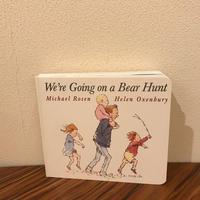 [英語版]ボードブック『We're Going on a Bear Hunt』