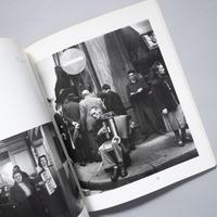 DOISNEAU / Peter Hamilton (ピーター・ハミルトン)、写真:Robert Doisneau(ロベール・ドアノー)