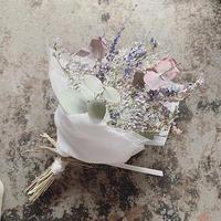 ドライユーカリとプリザかすみ草と小花のミニブーケ