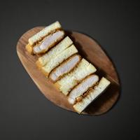 Premium pork cutlet sandwich       <特上ロースカツサンド>