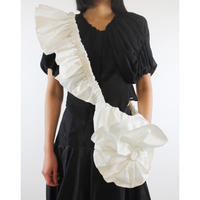 WED Studio / Crossbody Flower Bag / White