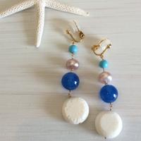 白珊瑚と青メノーの4連イヤリング