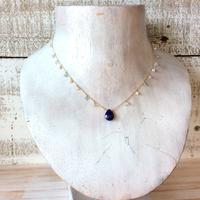 ○ラピスラズリの花束ネックレス