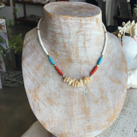 ○シェルとウミタケ珊瑚のシルク紐ネックレス