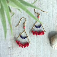 ○サルジ珊瑚とラピスラズリのシャンデリアピアス