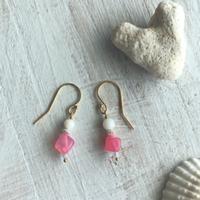 白珊瑚とアゲート(ピンク)のピアス
