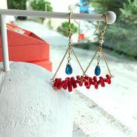 ○サルジ珊瑚とカイヤナイト(しずく型)のシャンデリアピアス