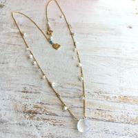 ○カルサイトの花束ネックレス