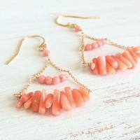○深海珊瑚と染め珊瑚のシャンデリアピアス