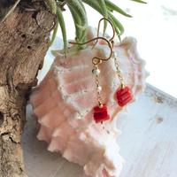 サルジ珊瑚と淡水パールの ショートピアス