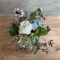 【Artificial flower】ベリーガーランドの ホワイトボルドーブーケ