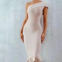 裾フリルタイトドレス