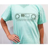 カセットロゴD(アイスグリーン) ザ・カセットテープ・ミュージックTシャツ