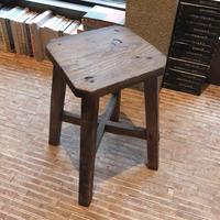 木の椅子(正方形)