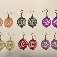 Initial  lace ピアス