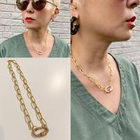 Clear stones design clasp necklace