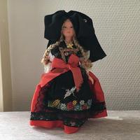 アルザス地方の伝統衣装を着たお人形