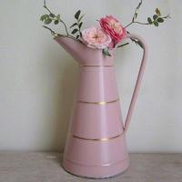 琺瑯大きめピンクのウォータージャグ
